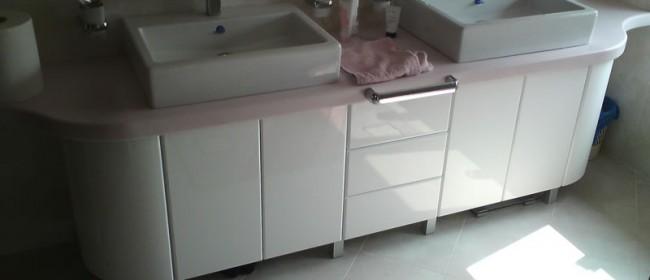 Szafka łazienkowa z Corianu
